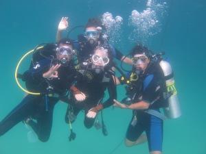 el equipo en el agua