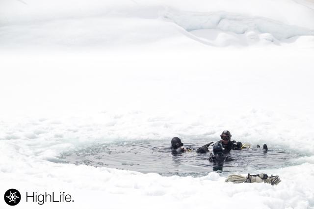 dentro del hielo